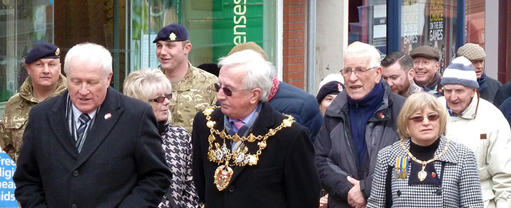 Steve & the Mayor on Chapel St - 23 Feb 2015 HEADER