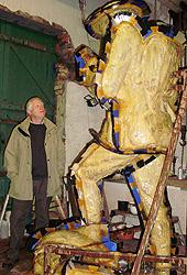 Trustee Steve Williams checks on the progress of the statue, September 2009